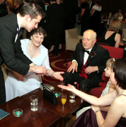 table magician weddings
